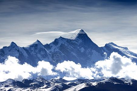 西藏南迦巴瓦峰的帽子云图片