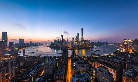 上海外滩陆家嘴金融中心日出图片