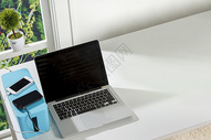 纯白桌面静物台图片