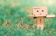 纸盒人图片