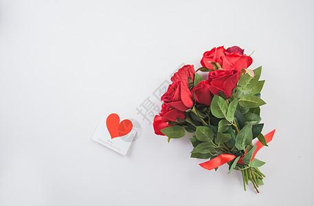 礼品与玫瑰花图片