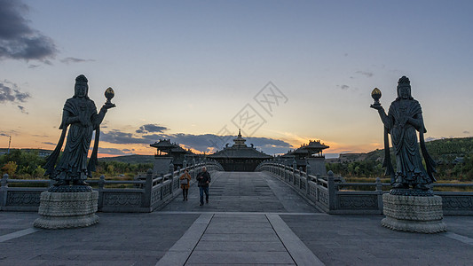 寺院的菩萨雕塑图片