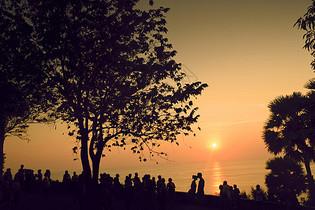 夕阳西下的风景剪影十分迷人图片