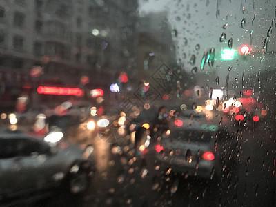 雨天街市图片