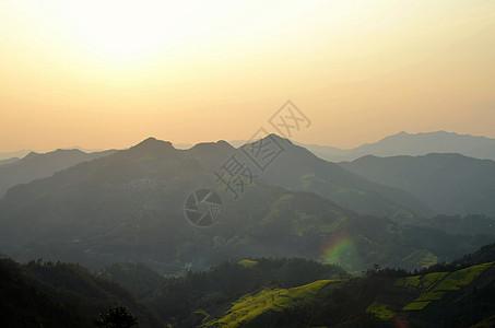 春季歙县石潭村油菜花图片