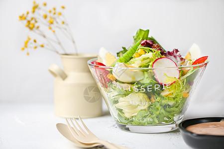 田园蔬菜沙拉图片