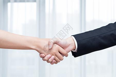 商务合作握手特写图片