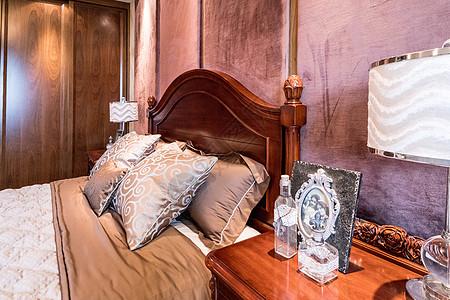 卧室床头特写图片
