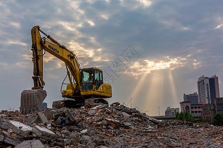 工地上的挖掘机图片