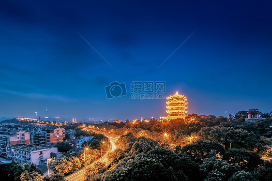 武汉黄昏时分的黄鹤楼图片