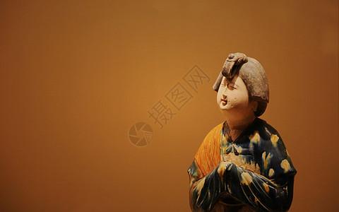 唐侍女俑图片
