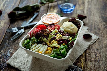 健康瘦身的蔬菜素食沙拉图片