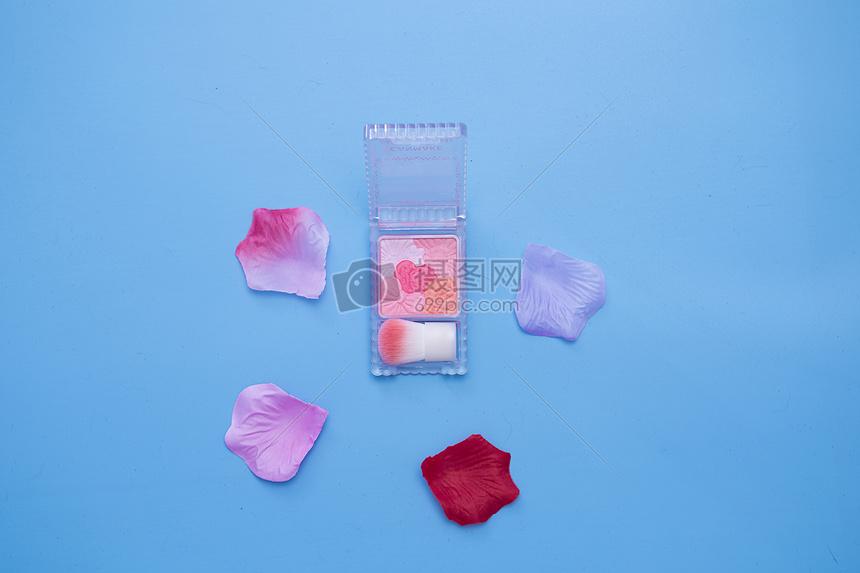 五色花瓣腮红图片