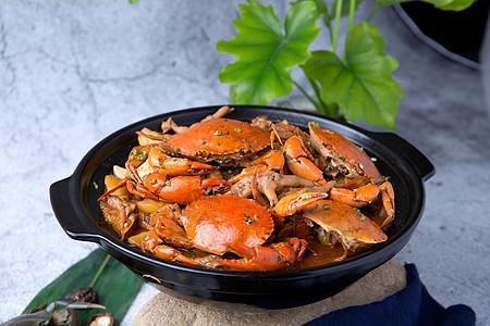 砂锅肉蟹煲图片