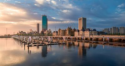 宁静的港湾城市风光图片