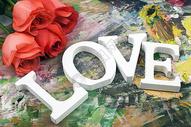 情人节画板上有玫瑰花有爱图片