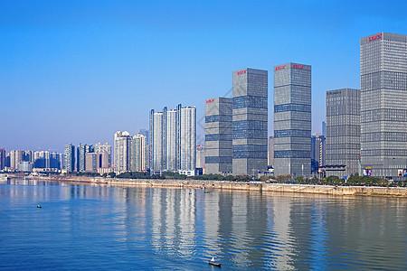 蓝天下的商业城市建筑图片图片