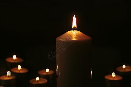 祈福祈祷的蜡烛图片