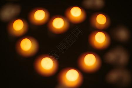 虚化的爱心蜡烛图片