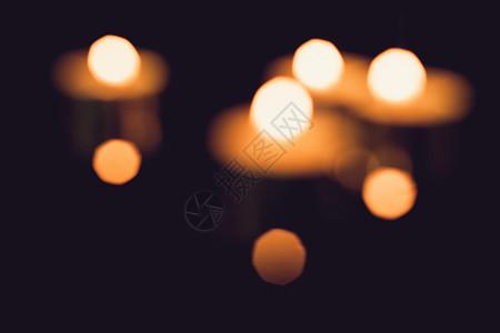 虚化的蜡烛光斑图片