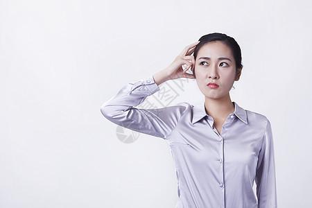 职业苦恼女性在思考图片