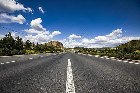 辽阔的公路图片