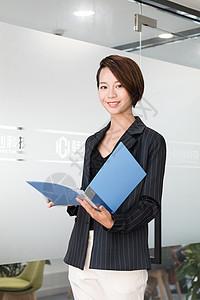 自信的女性商务白领图片