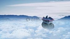 漂浮在云中的船图片