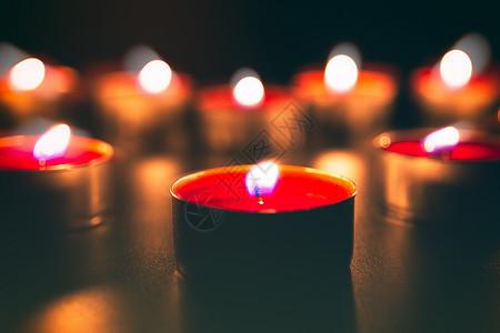 祈福祝福燃烧的蜡烛图片