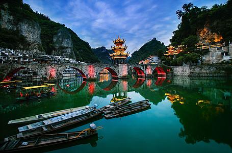 大美贵州水上人家侗族民族建筑小河桥山脉图片