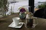 咖啡厅的咖啡与甜点图片