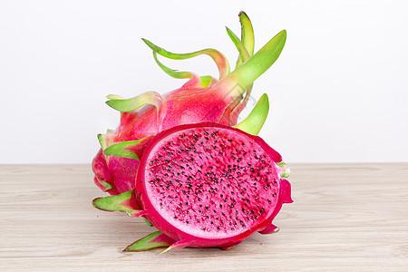 红肉火龙果图片
