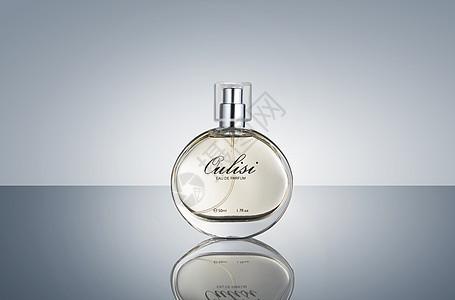 透明香水瓶摄影图片