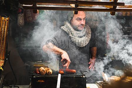 烧烤的男人图片