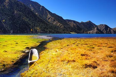 新疆独库公路大小龙池图片