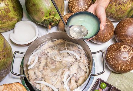 美味养生海南椰子鸡火锅图片
