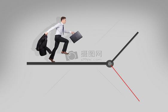 跟时间赛跑的商务人士图片