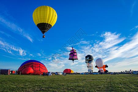 加拿大小镇的热气球节图片