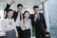 商务团队合作成功相互鼓励图片