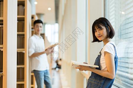 图书馆看书唯美图片 图书馆看书唯美素材 图书馆看书唯美高清图片 摄图片