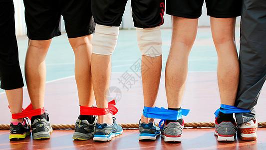 校园运动会两人三脚比赛图片