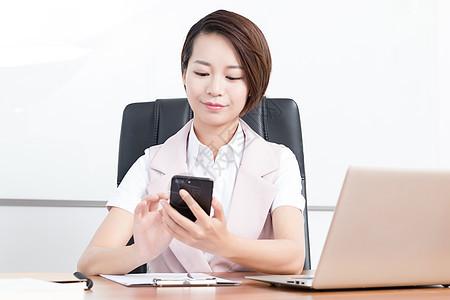在办公室打电话的企业高管白领图片