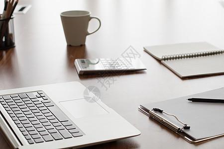 商务办公桌桌面图片