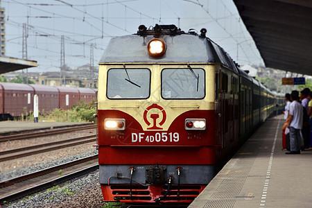 进站的火车图片