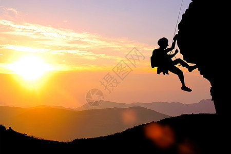 勇攀高峰登山团队图片