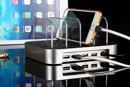 USB 充电器图片