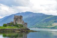 湖中城堡图片