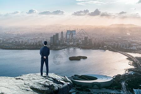 站在高处看世界图片