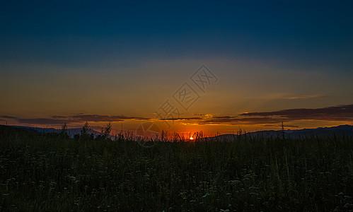 那拉提草原落日美景图片