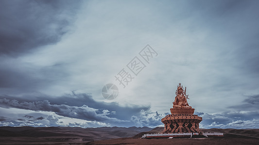 川西亚青寺的佛像图片